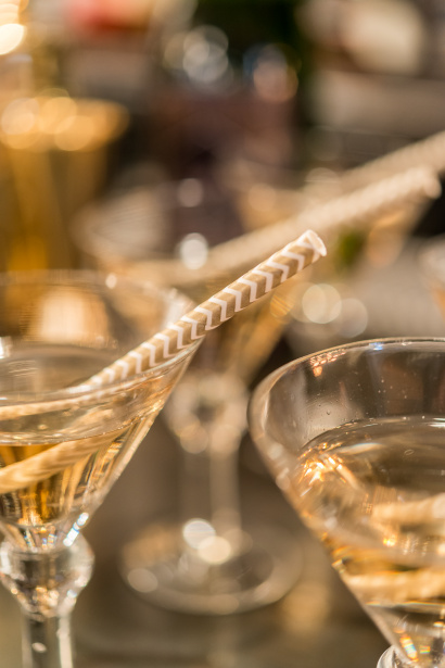 Throw an elegant New Year's Eve party with Confetti.co.uk