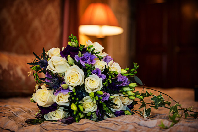 How To Make Wedding Buttonholes: Wedding Bouquets And Buttonholes