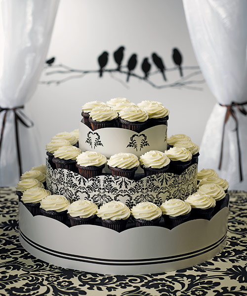 gothic wedding confectionary cupcakes