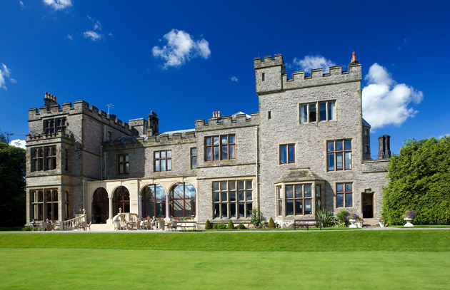 ARMATHWAITE HALL FRONT VIEW