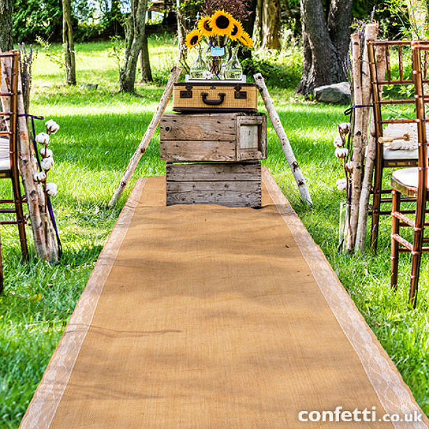 Rustic style burlap aisle runner | Confetti.co.uk