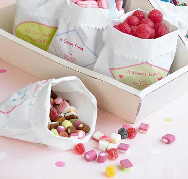 White Paper Favour Candy Bags