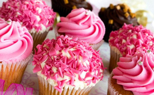 Cupcake Decorating Ideas Blog : Hen Night Burlesque Cake Ideas and Designs