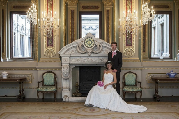 The Drawing Room at the Historic London Wedding Venue Drapers' Hall | Confetti.co.uk
