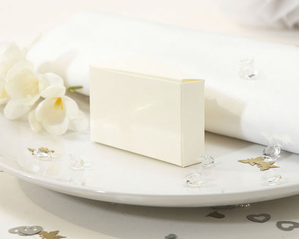 personalised wedding cake boxes for guests wedding cake etiquette confetti co uk 6470