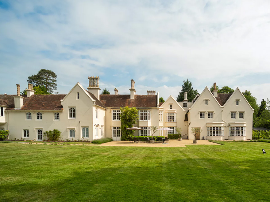Silchester House BeautifulEnglish Country House and Garden Wedding Venue   Confetti.co.uk