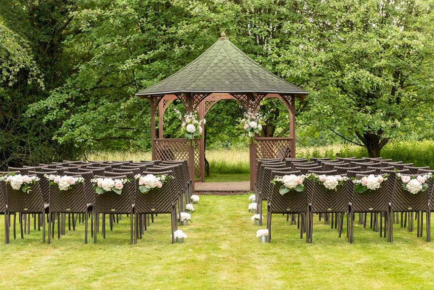 Silchester House Country House Wedding Venue in Hampshire - Intimate Outdoor Wedding Ceremony Ideas - Beautiful Outdoor Wedding Gazebo   Confetti.co.uk