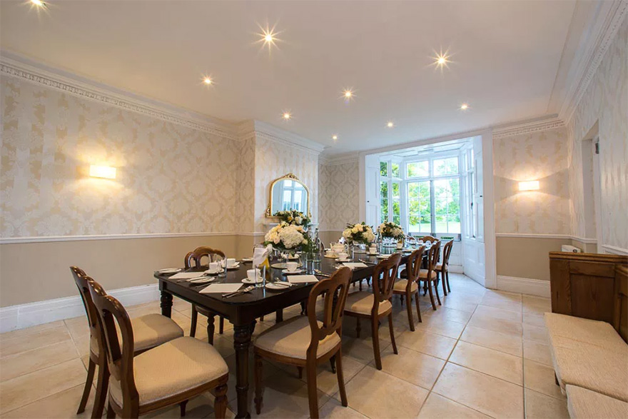 Silchester House Intimate Country House Wedding Venue in Berkshire - Dining Room Wedding Reception   Confetti.co.uk