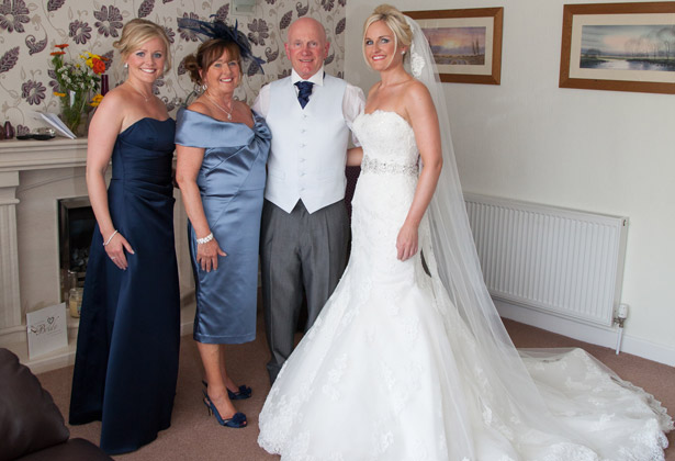 Bride-with-her-family