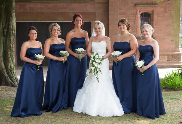 The-bride-with-her-bridesmaids