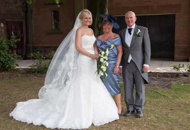 The-bride-with-her-parents