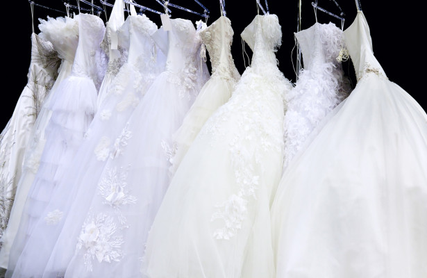 How much will your wedding dress cost and where should you for How much does wedding dress cost