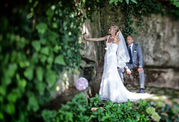 The newlywed's garden photo shoot
