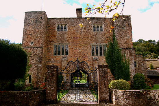 Bickleigh Castle in Devon | Confetti.co.uk