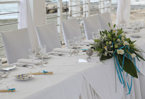 White and blue wedding decor