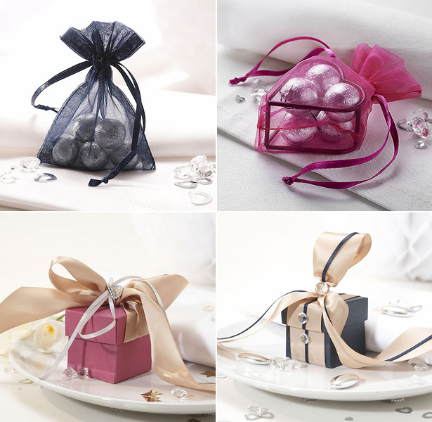 Navy and pink colour combination wedding favours