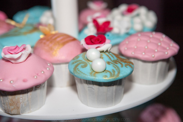 Vintage pink and blue wedding cupcakes