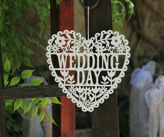 Metal heart shaped wedding day sign
