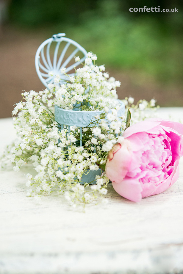 DIY Article Birdcage Blue Flowers