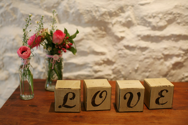 Love wedding favour boxes| Confetti.co.uk