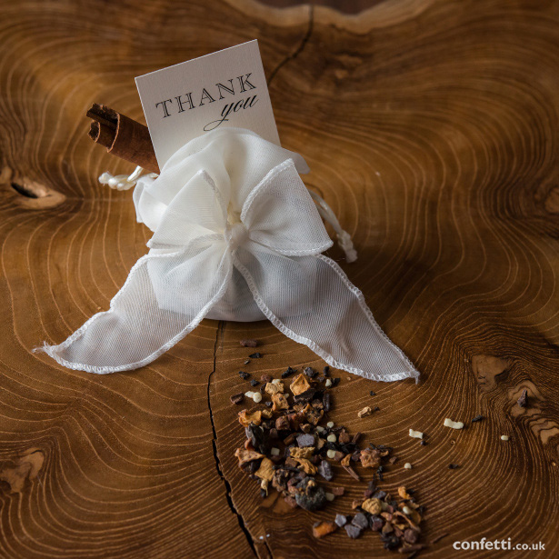 A sachet of loose leaf tea to soothe weary wedding party guests from Confetti.co.uk