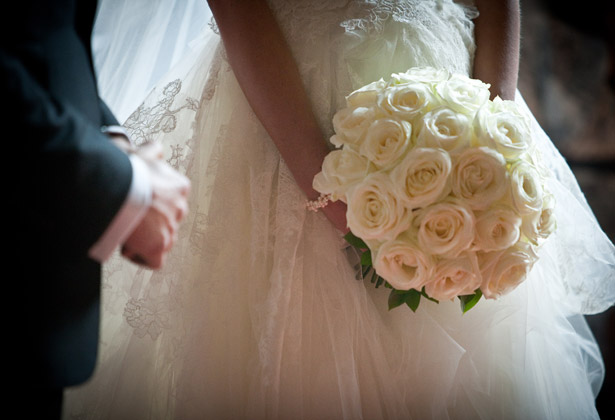 Bridal bouquet inspiration | Traditional white rose bouquet | Confetti.co.uk