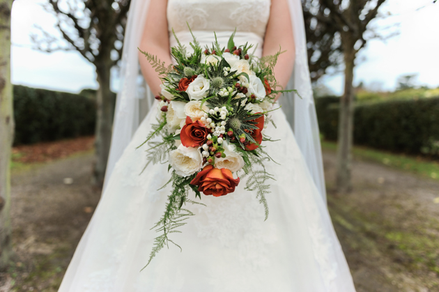 Styling Autumn Wedding| Real Wedding Autumn Bridal Bouquet |Orange and Rustic Bridal Bouquet |Confetti.co.uk