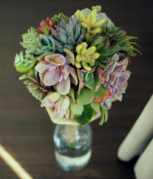 Wedding succulents centrepiece with succulents and flowers   Confetti.co.uk