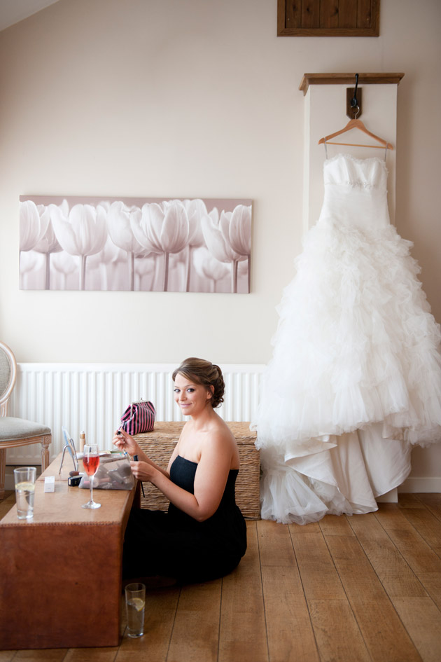 Amazing DIY Ideas From Our Real Weddings | DIY Bridal Makeup | Confetti.co.uk