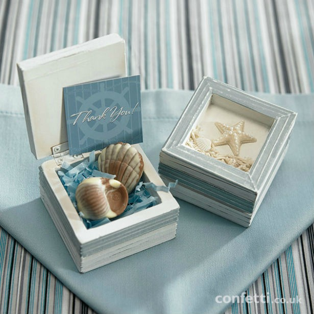 Blue starfish favour box