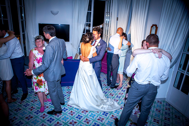 First dance to Stay with me by John Legend | Leanne and Chris's Real Italian Wedding | Confetti.co.uk
