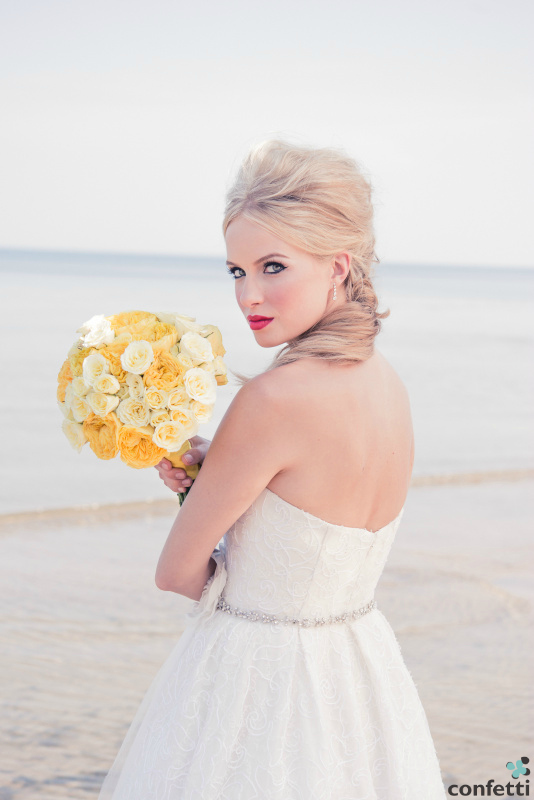 Beachside wedding from Confetti.co.uk