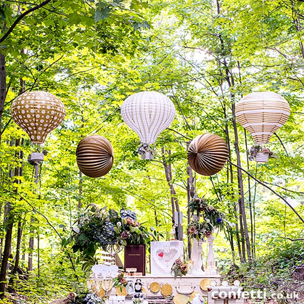 Hot Air Balloon Paper Lantern Set In Gold And White