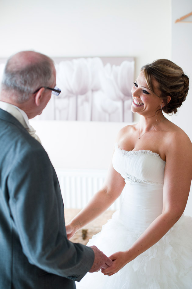 Bride and her father | Confetti.co.uk