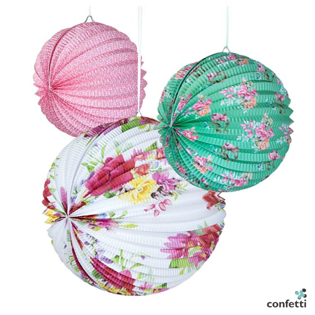 Floral round paper lanterns | Confetti.co.uk