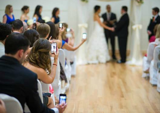 Why people have unplugged weddings | Confetti.co.uk