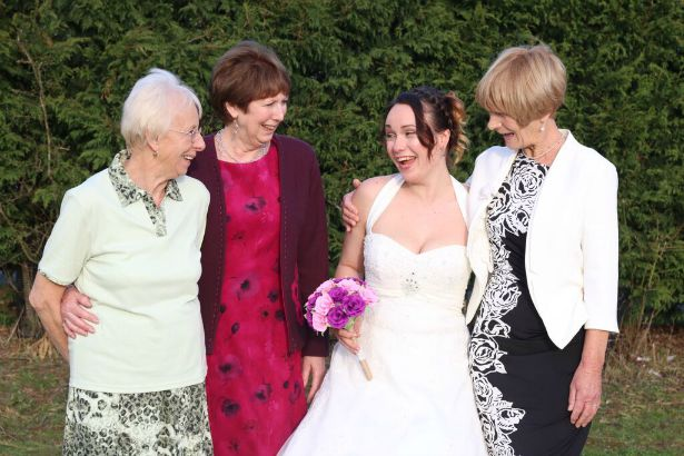 Bride and family at Jess and Ryan's real wedding | Confetti.co.uk