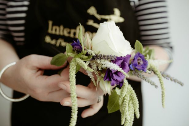 Interflora DIY half flower crown | Confetti.co.uk
