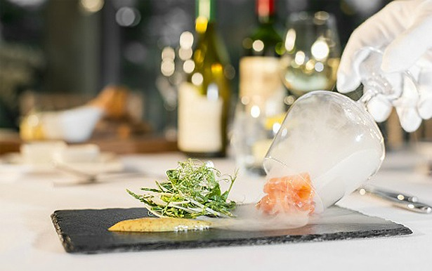 Beales Gourmet Catering wedding meal | Confetti.co,uk