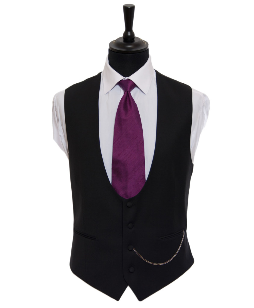 Horseshoe waistcoat courtesy of Hugh Harris Formal | Confetti.co.uk