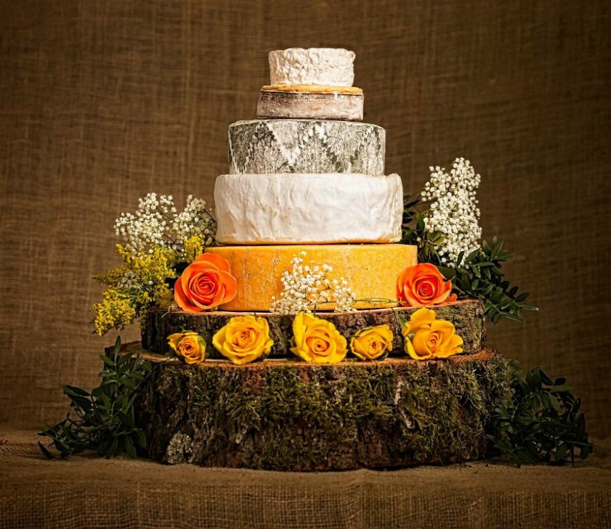 Snowshill Cheese Wedding Cake by Cotswold Cheese Company | Confetti.co.uk