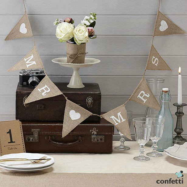 Mr and Mrs quiz questions hessian bunting | Confetti.co.uk