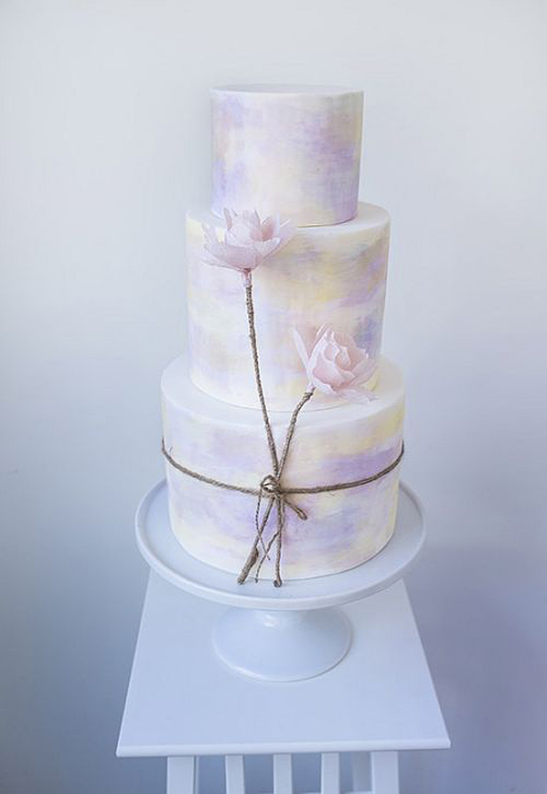 Lilac Wedding Cake | Confetti.co.uk