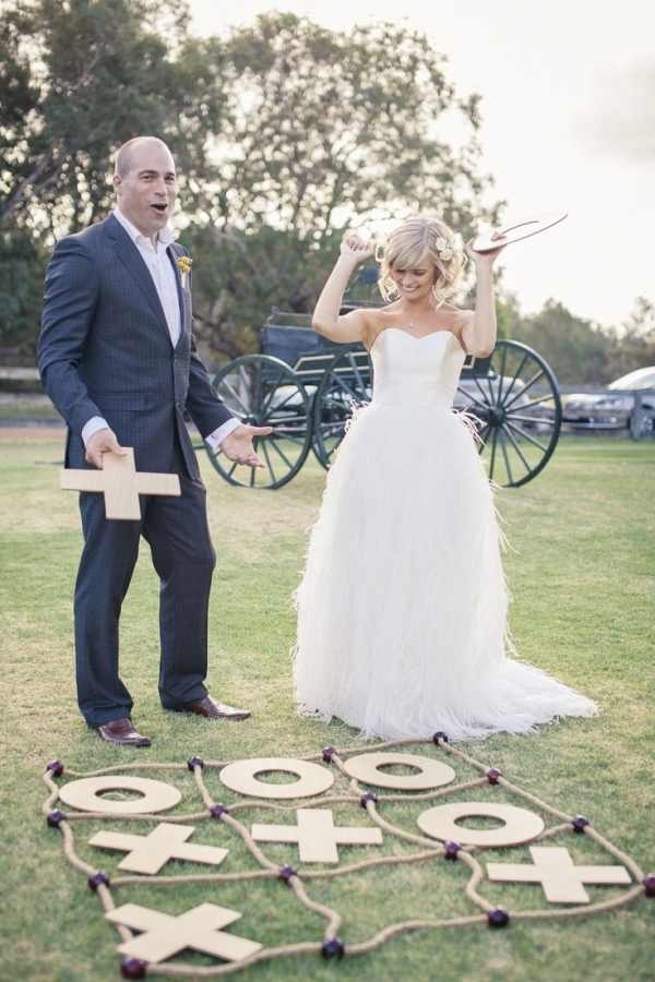 Naughts and crosses entertainment for vintage weddings | Confetti.co.uk