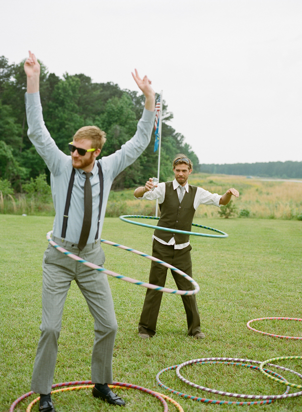 Hula hoop entertainment for vintage weddings | Confetti.co.uk