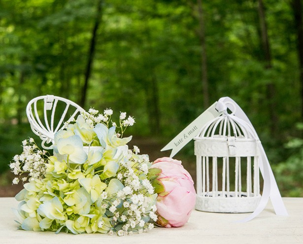 DIY floral birdcages | Confetti.co.uk