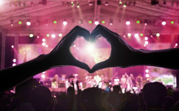 Live music for weddings at Entertainment Nation | Confetti.co.uk