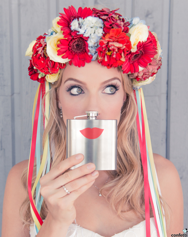 Quirky Flask with Red Lips | Confetti.co.uk