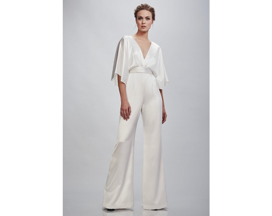 Bridal jumpsuit with flowing sleeves