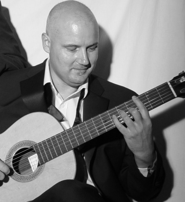Wedding Entertainment by Barry Martin Solo Singer and Guitarist | Confetti.co.uk